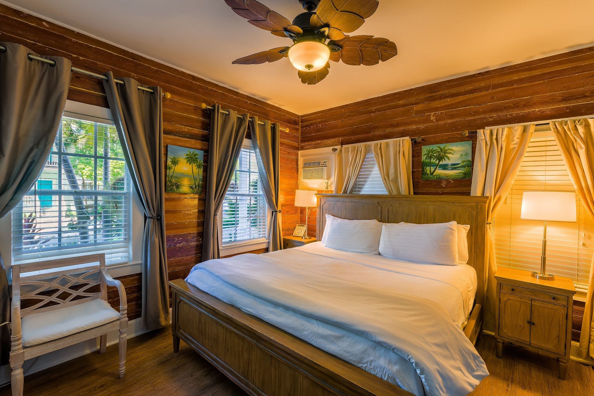 Deluxe King Room with Porch in Key West