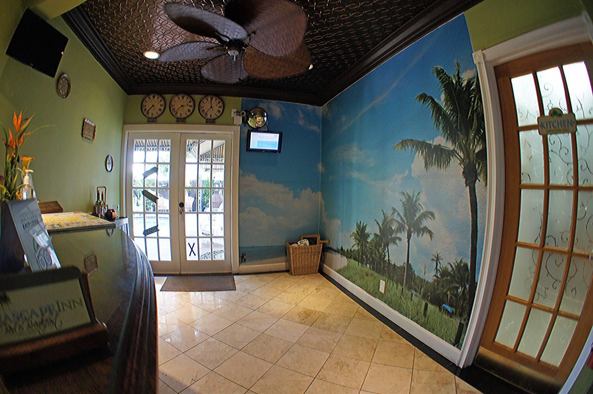 Seascape Tropical Inn Interior